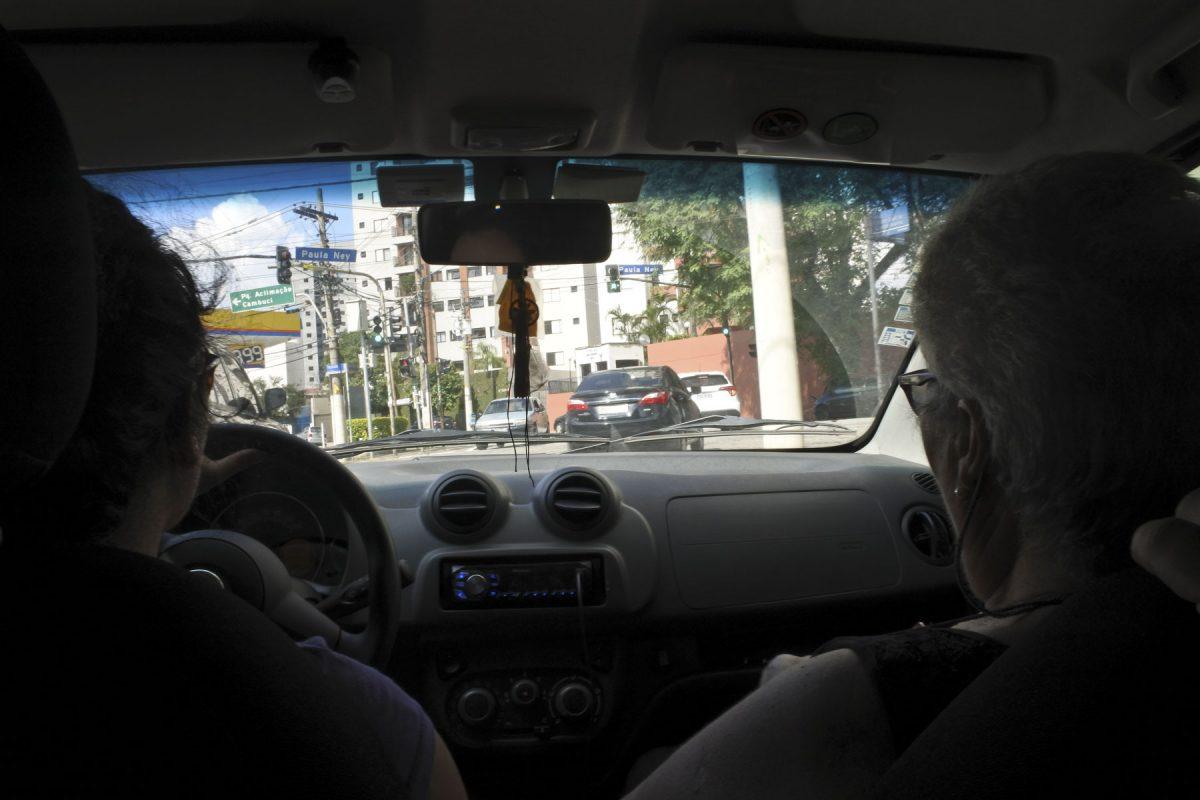 Fühlt sich an wie auf einem Pferd im Galopp: Autofahrt in São Paulo