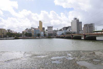 Brücke und Matsch in Recife