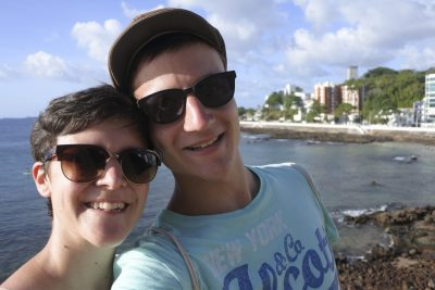 Marina und Michael in Strand in Barra, Salvador