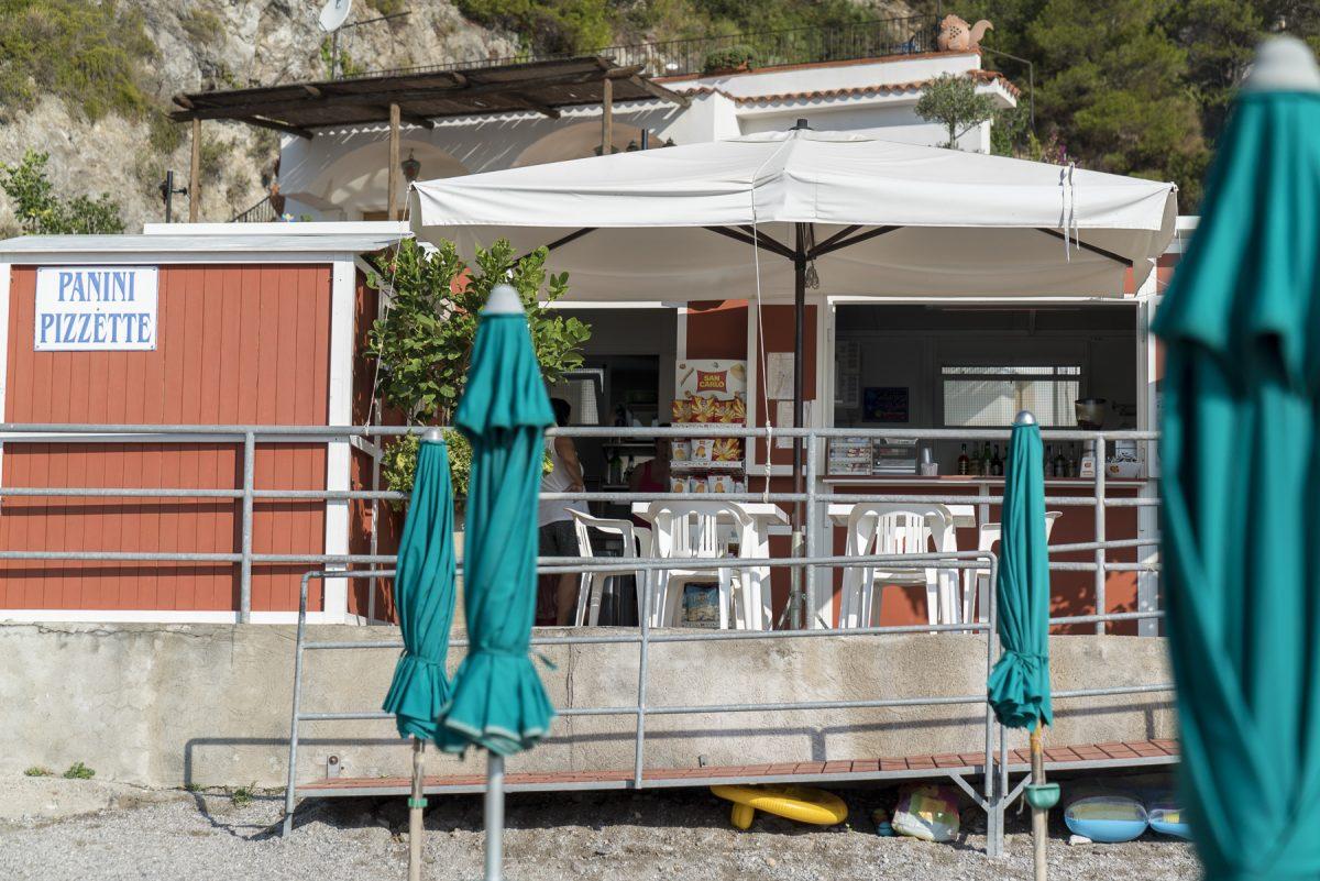 Unsere «Stammstrandbar» in Erchie, Italien