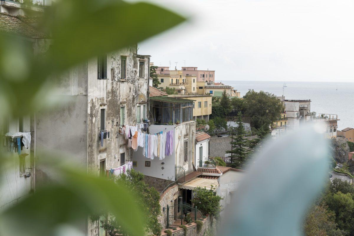 Wäsche aufhängen in Vietri, Italien